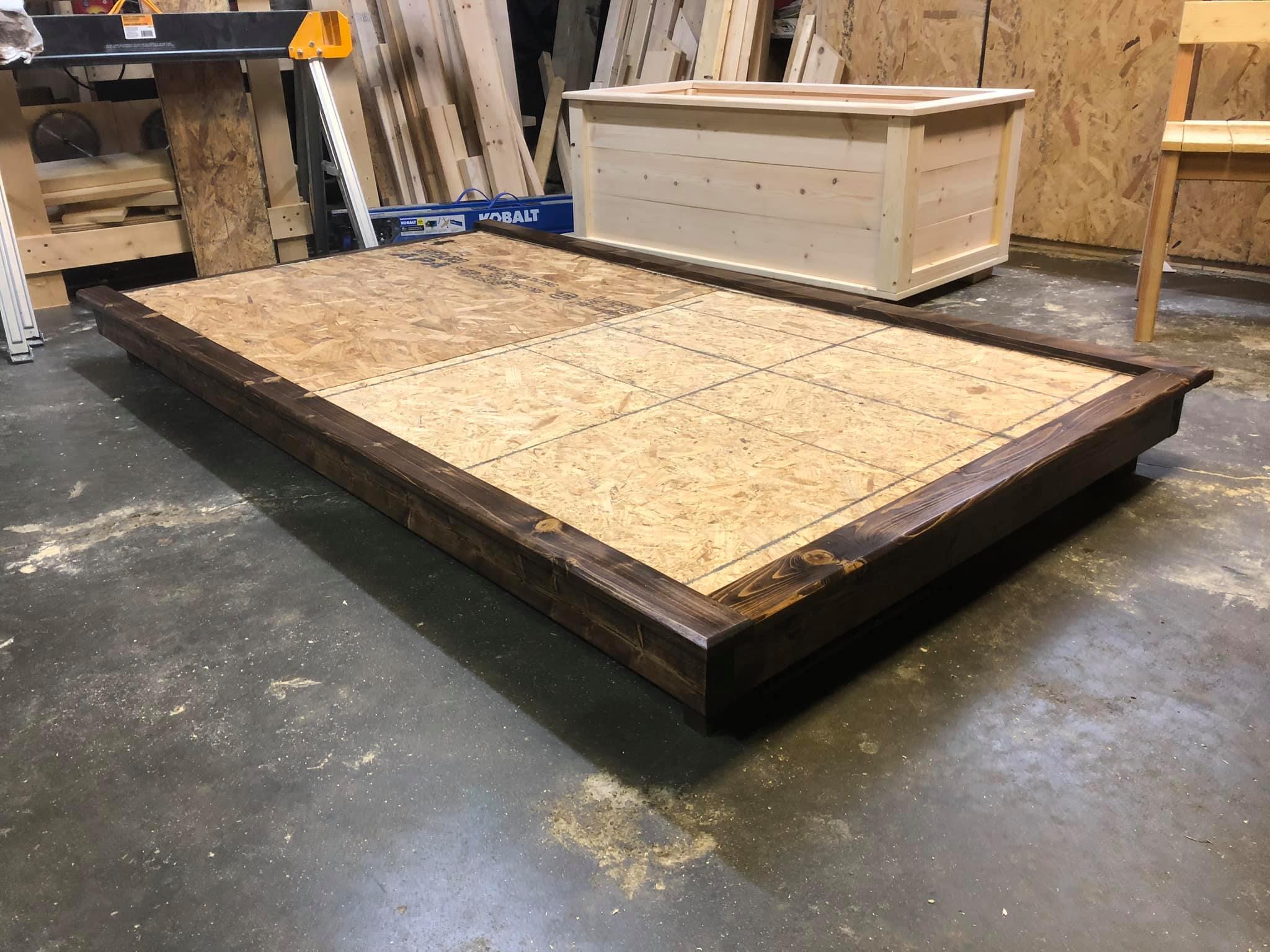 Platform for a twin mattress